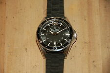 The Walking Company 2006 Men Diver Style Analog Quartz Watch Hours Date 5ATM