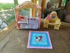 Fisher Price Loving Family Home for the Holiday Dollhouse Christmas Bedroom Set