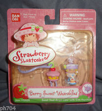 Strawberry Shortcake Berry Sweet Wearables Treat Angel Cake w/ keychain 2005