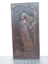 Plaque de cuivre repoussé à décor de femme style Art Nouveau