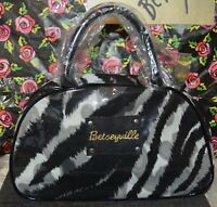 BETSEY JOHNSON BETSEYVILLE LARGE 2 HANDLE COSMETIC OVERNIGHT BAG ANIMAL PRINT
