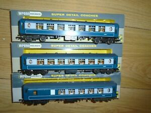 Collection of Wrenn W6003 & W6004 Pullman Coaches for Hornby OO Gauge Sets