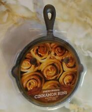 Fresh Baked Cinnamon Buns Scented Candle in Iron Skillet NEW 9 oz.