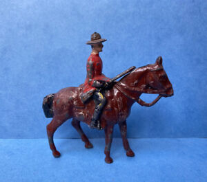 JOHILLCO MOUNTIE ON HORSE LEAD TOY SOLDIERS VINTAGE 1940s RARE JOHN HILL & CO