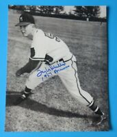 TAYLOR PHILLIPS SIGNED 8X10 PHOTO ~ 1957 MILWAUKEE BRAVES ~ 100% GUARANTEE
