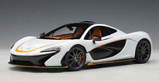1:18 Autoart 2013 McLaren P1 white with black accents A76064