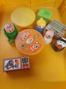 Vtg Fisher Price Little People Figures/ Furniture Lot Newstand Sesame TV Dog
