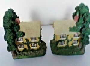 THATCH COTTAGE BOOK ENDS