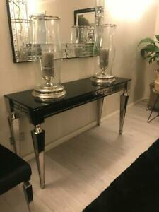 Contemporary Dining room table - 8 seater, 6 matching dining chairs & sideboard