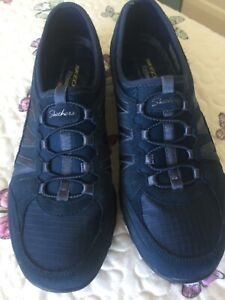 skechers light weight pull on trainers size 7