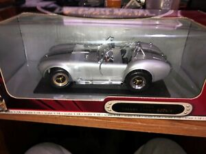 Road Signature 1964 Shelby Cobra 427 S/C Roadster 1:18 Scale