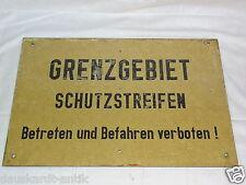 Grenzgebiet Schutzstreifen Betreten und Befahren verboten Warnschild Bakelit