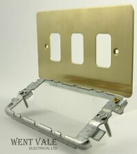 MK Edge - K14333 BBR - 3 Module Face Plate and Yoke For Grid Switch Modules New