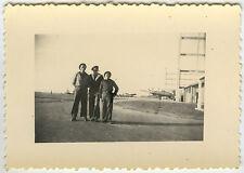 PHOTO ANCIENNE - MILITAIRE MARIN AVION BASE GAY - SAILOR PLANE -Vintage Snapshot