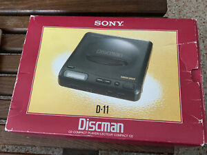 VINTAGE SONY DISCMAN D-11 PERSONAL PORTABLE CD COMPACT DISC PLAYER MINT IN BOX