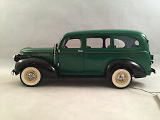 Franklin Mint Black & Green 1946 Chevrolet Suburban Camping Ed. 1:24 Scale w/Box