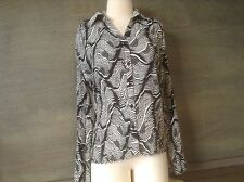 JENNIFER LLOYD Woman size LARGE BLACK WHITE button up ACCORDIAN POLY blouse  EUC