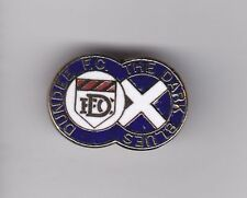 """Dundee """" The Dark Blues """" - lapel badge No.2 brooch fitting"""