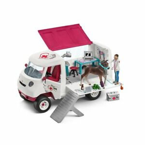 Schleich 42370 - Mobile Vet Van with Hanoverian Foal - Horse Club Stable