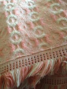 Vintage Bed Spread Eiderdown 180 X 250cm Pink And White Single
