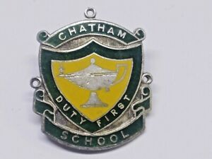 CHATHAM SCHOOL BADGE / PIN