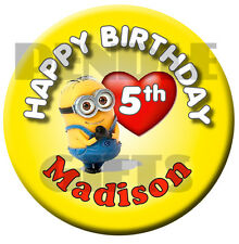 MINIONS HEART PERSONALISED BIRTHDAY BADGE - 58mm