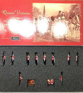 Britains:  Boxed Set 40206 - Scots Guards Presenting The Colors