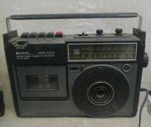 Vintage Sanyo Model M2422 Portable AM/FM Radio Cassette Recorder