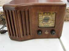 1939 EMERSON CR261 WOOD TUBE TABLE RADIO Looks refinished Ingraham Cabinet Works