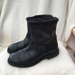 GIRLS CLARKS BLACK LEATHER ANKLE BOOTS SIZE 1.5 G SCHOOL?