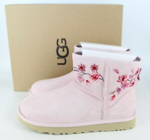 NEW UGG CLASSIC MINI SUEDE SHEEPSKIN FLORAL BOOTS, Pink, US 7