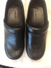 Lands' End Women's Nursing Clogs Closed Heel 393346 Black Leather Shoes 8B