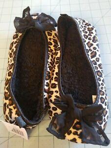 Unbranded: Women's Leopard Print Ballet Flat Fleece Slippers, Size (5/6) - New