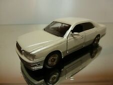 MTECH JAPAN NISSAN CEDRIC - PEARL WHITE 1:43 - GOOD CONDITION - 5