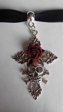 Gothic pagane velluto nero girocollo Collana Ciondolo Silver Cross Teschio Rosa Rossa