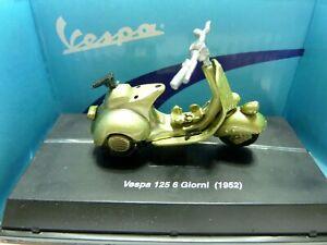 NIB New-Ray 1952 Vespa 125 6 Giorni Scooter 1:32 Diecast Model