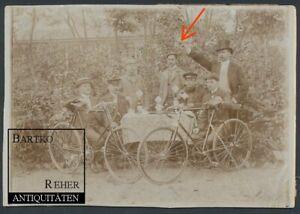 Foto ca. 1900 Fahrradfahrer mit Velo Rennrad Fahrrad und Starter mit Revolver