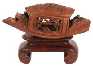 China 20. Jh Miniature Carving Boat - A Chinese Fruit Pit Carving - Chinese