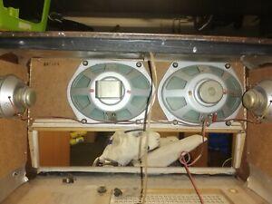 Röhrenradio Gehäuse mit Lautsprecher