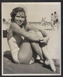 LQQK 8X10 vintage 1960s original, LOVELY ALL AMERICAN BEACH GIRL NEXT DOOR #52