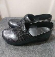 Dansko Womens Black Tooled Clogs Size 38 (US 7.5-8)