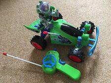 Toy Story RC Coche de Control Remote -- Buzz Luz año -- Libre P&P -- vendedor del Reino Unido --