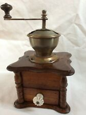 alte, antike Kaffeemühle hergestellt um 1900, Jugendstil, coffee grinder