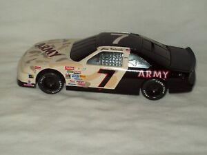 Vintage Racing Champions Ford Thunderbird ~ Army #7 Alan Kulwicki Race Car Bank