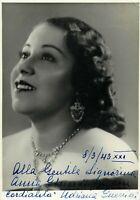 Opera - Autografo del soprano Adriana Guerrini (Firenze, 1907 - Milano, 1970)