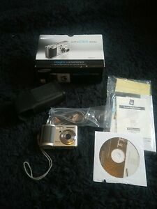 Samsung Digimax Cyber 530 5.1MP Digital Camera with zoom lens in MINT con.C dscr