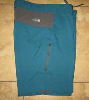 The North Face Mens  Green/Teal Shorts SZ 34 Zipper Pocket