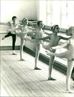 Girls in dance training at Opera Ballet School - Vintage photograph 2441481