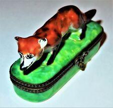 Limoges Pin Caja - Parry-Vieille - Vintage Rojo Fox en un Herbosa Prado
