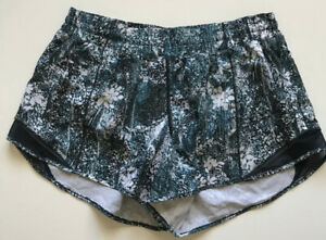 Lululemon Hotty Hot Short Size 6 TALL GREEN Floral Pattern EUC